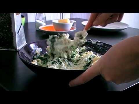Творожные ньокки со шпинатом в мультиварке KITFORT KT-201