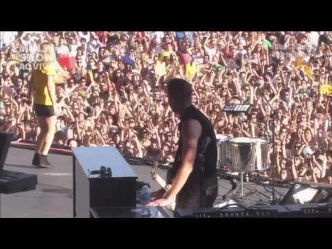 I Need Your Love - Ellie Goulding Live Lollapalooza Brasil