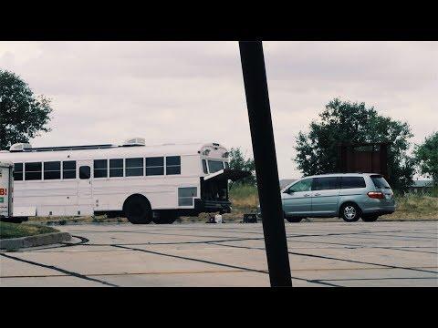Bus Broke Down At the Edge Of COLORADO