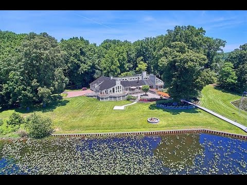 The Perfect Balance of Privacy and Tranquility in Lorton, Virginia