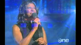 Watch Natalie Cole Angel On My Shoulder video