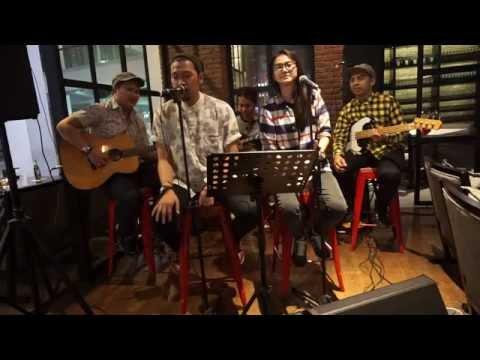 Aku dan dirimu-Soulmate band Palembang acoustic cover