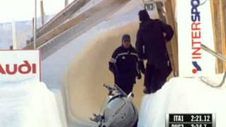 Russian bobsled crash in St. Mortiz