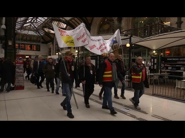 Rolling rail strikes set to begin in France