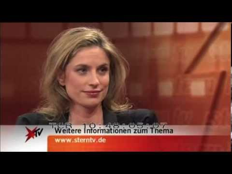 Julia Leeb TV Interview