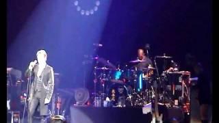 David Bowie - Sunday (live Paris Le Zenith 2002)