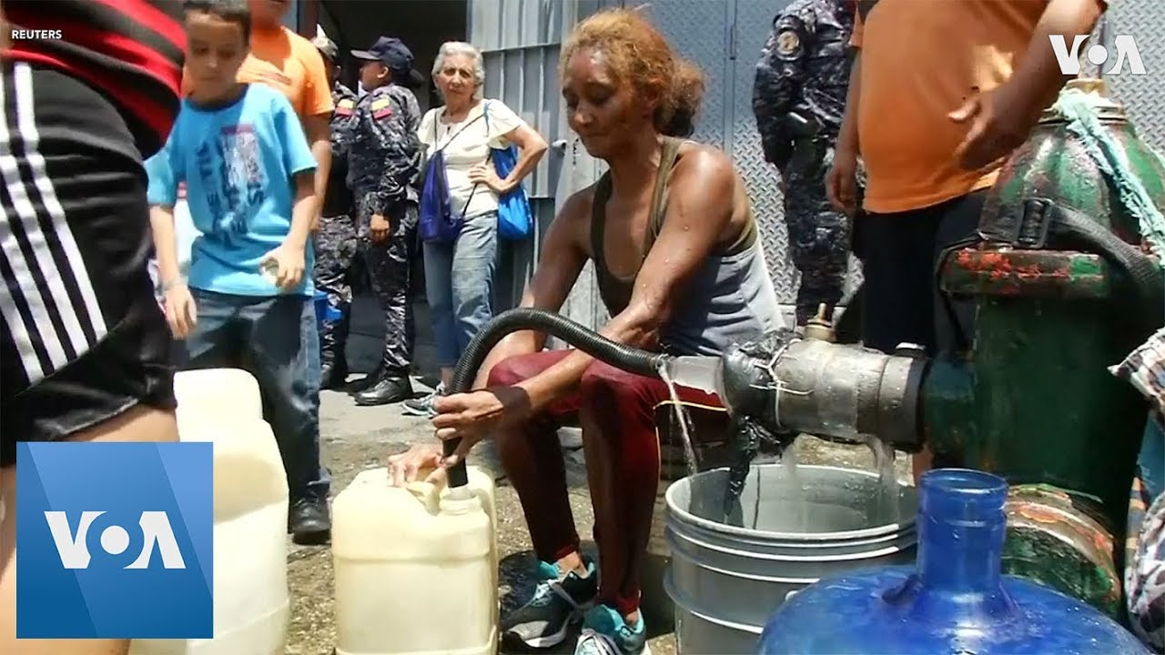 Desperate Venezuelans Struggle to Find Water in the Coastal State of Vargas and in Caracas