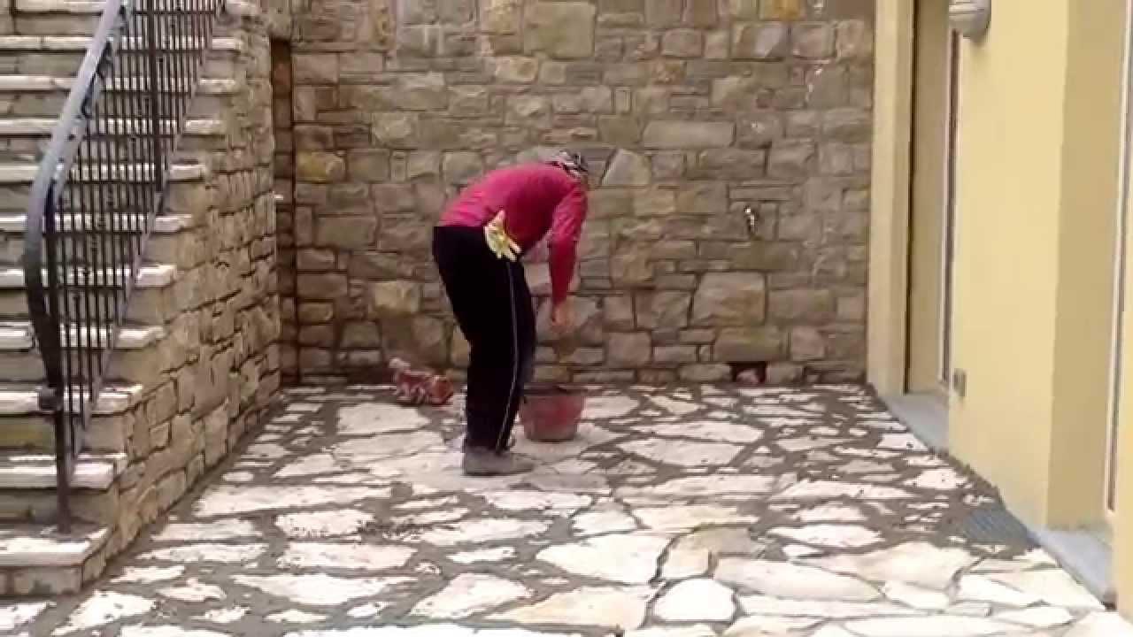 Pavimento In Pietra Di Trani : Muri in pietra di credaro pavimenti e scale pietra di trani lavori