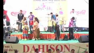 Gujarati Garba Song Navratri Live 2011 - Lions Club Kalol - Ratansinh Vaghela - Day -5 Part -24