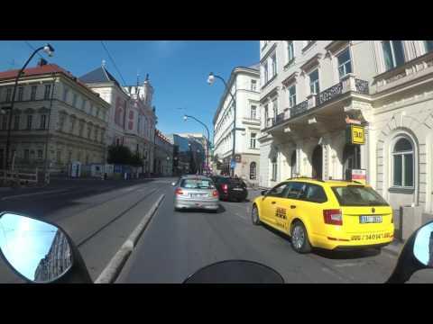 Yamaha Tricity ride - sightseeing Prague
