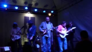 Alamo Leal & Banda & Convidados - Held My Baby Last Night