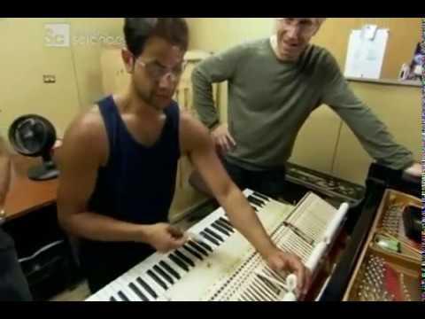 Как делают рояли -