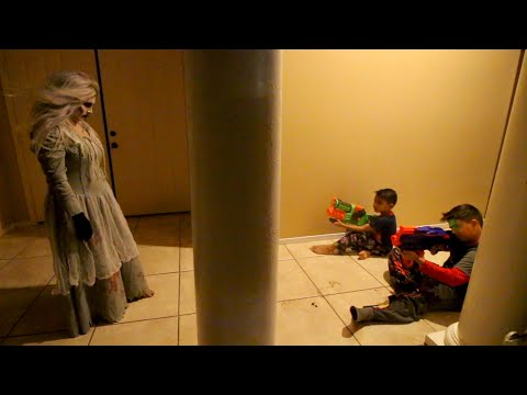 LA LLORONA MOVIE | SCARY WEEPING WOMAN | D&D SQUAD BATTLES