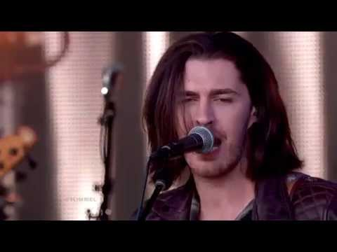 Hozier & Co performing Work Song