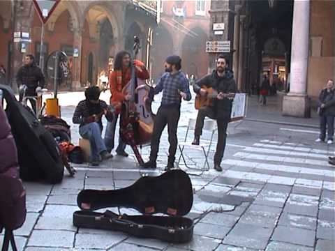 Bologna street music