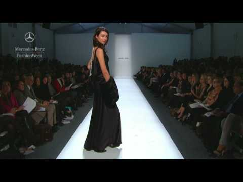 Pamella Roland Fall 2009 runway show, Mercedes-Benz Fashion Week