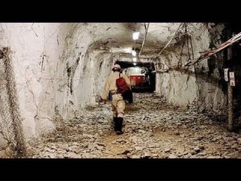 South Africa's Mponeng Gold Mine - Full Documentary (Build it Bigger)