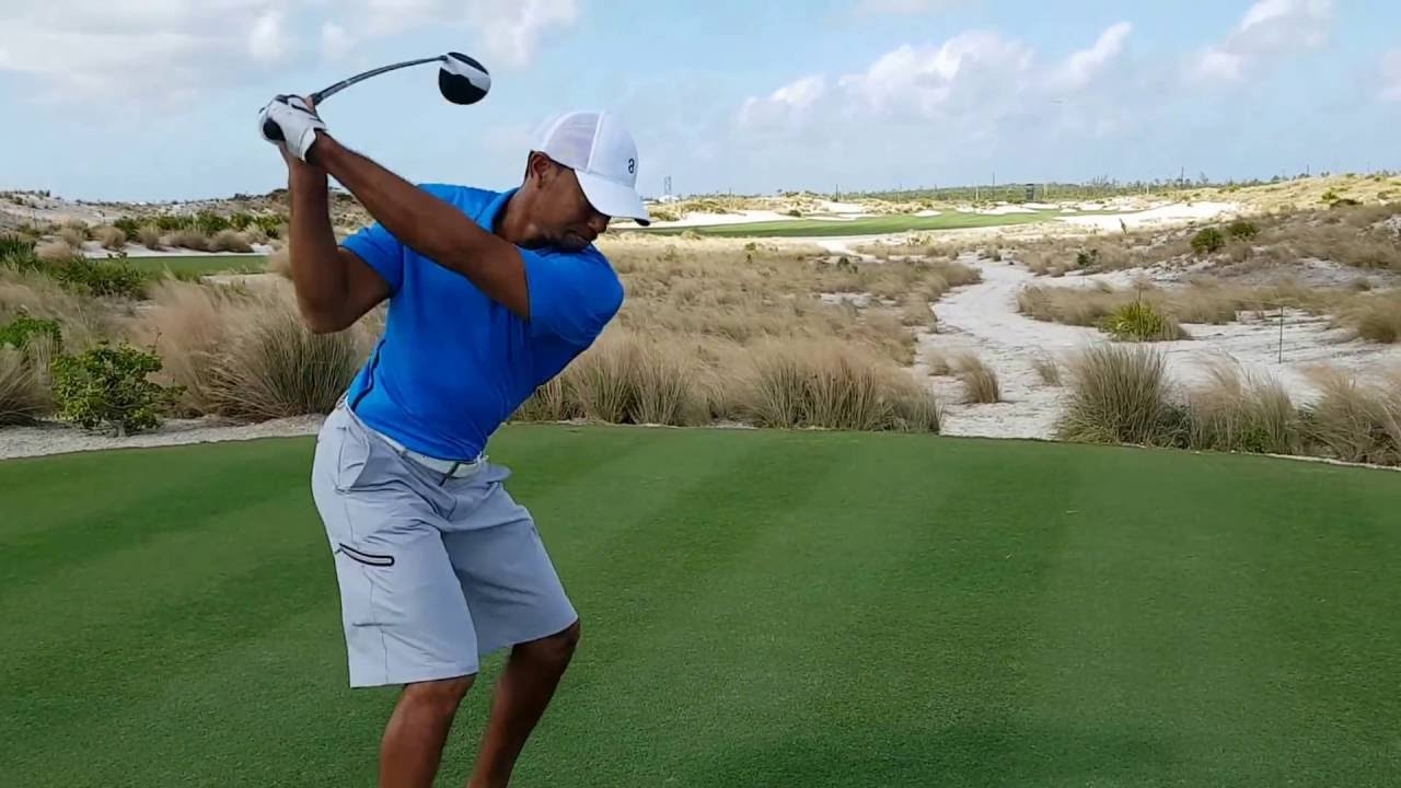 Tiger Woods Launches 350-Yard Drive In Practice For 2016 Hero World Challenge