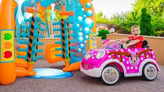 Артур и Мелисса играют в Автомойку