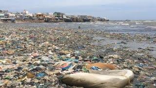 Sốc với biển rác dài cả km tưởng không có trong sự thật!