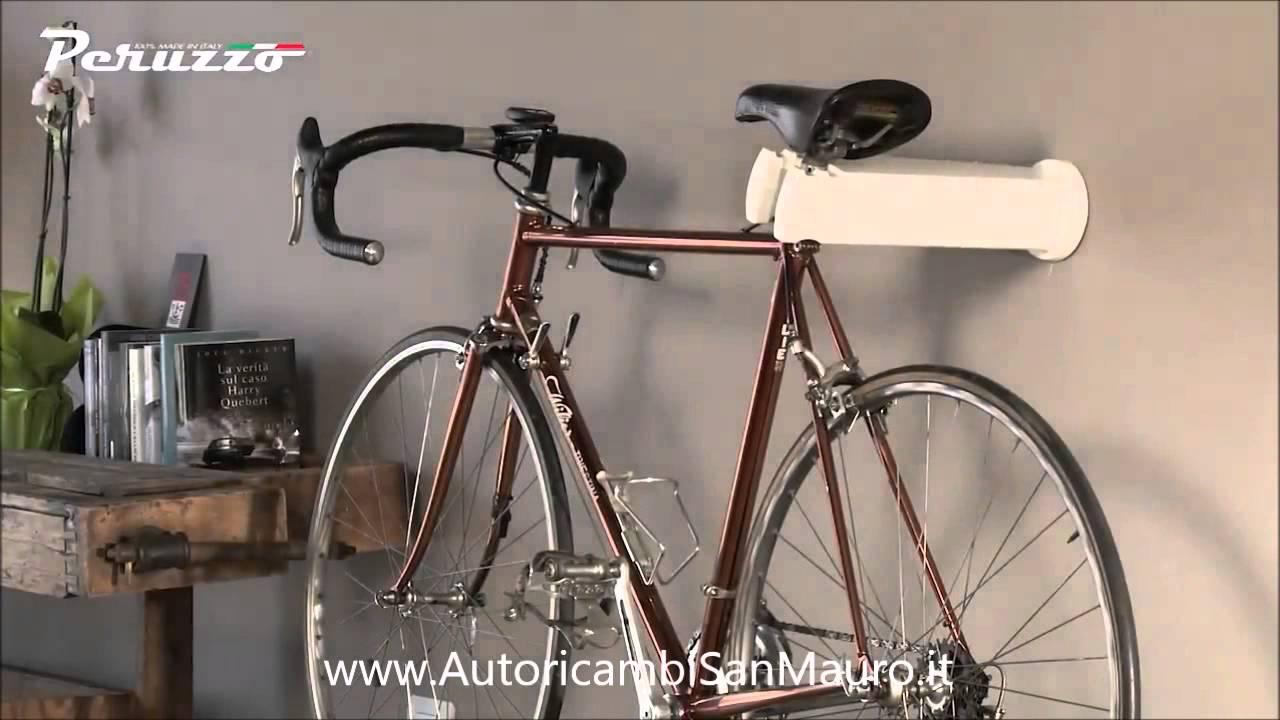 Cool bike rack by peruzzo portabici da parete di design - Portabici da muro ikea ...