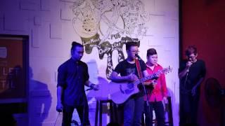 F-Band - Mash Up Giấc mơ tuyết trắng & Tình yêu màu nắng Full HD - (Live)