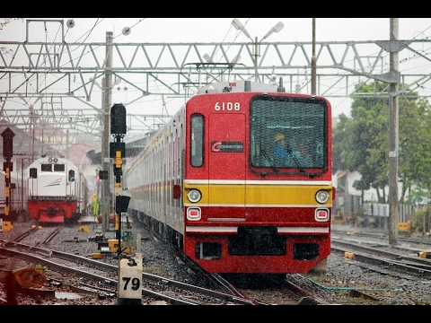 FIRST TIME A COMMUTER TRAIN COME TO RANGKASBITUNG STATION | Rangkasbitung Station