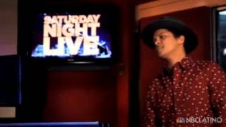 Bruno Mars special host and musical guest in SNL. Oct 2012. NBC Latino.