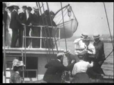 Departure of Robert Peary and the Roosevelt from New York 1905