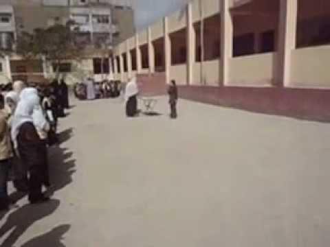 توزيع شهادات التفوق والتميز لطلبة مدرسة النهضة