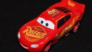 Mattel Disney Cars 3 Lightning McQueen - Rust-Eze #95 (Piston Cup Racer) New Design Die-cast