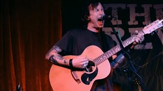 """Laura Jane Grace of Against Me! """"Black Me Out"""" Punks in Vegas live at the Aruba"""