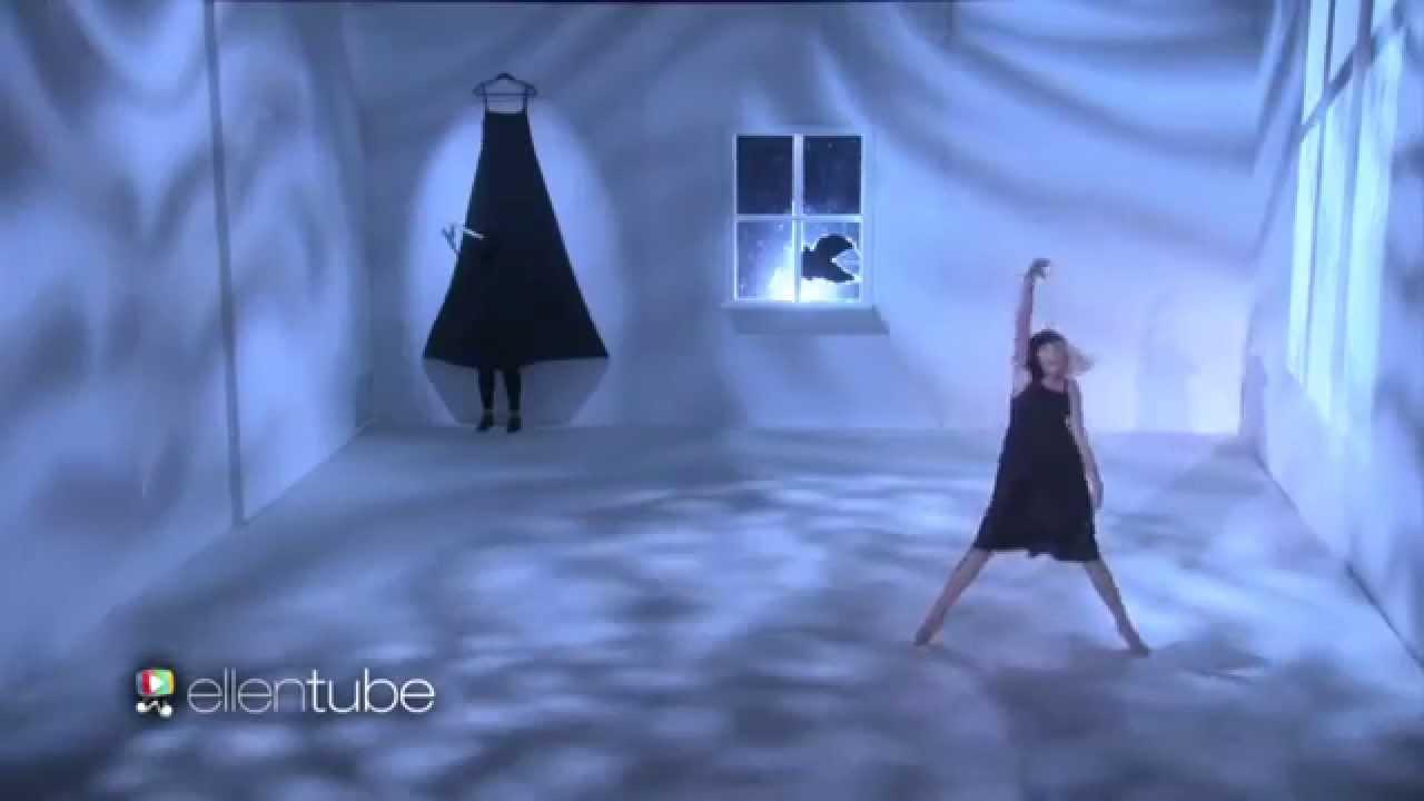 Sia Maddie Ziegler Perform Alive On The Ellen Show Youtube
