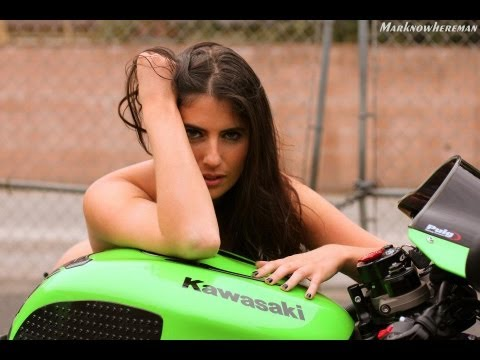 sportbikes and topless girls