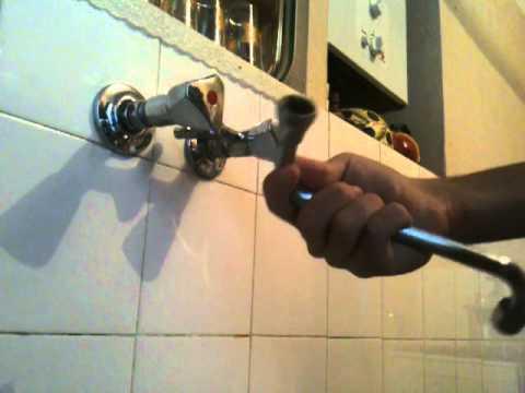 changer un joint de robinet - astuce plomberie: conseil bricolage ... - Changer Le Robinet D Une Baignoire