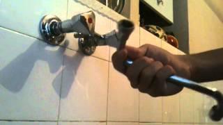 Changer un joint de robinet - Astuce plomberie: Conseil bricolage joint de robinet