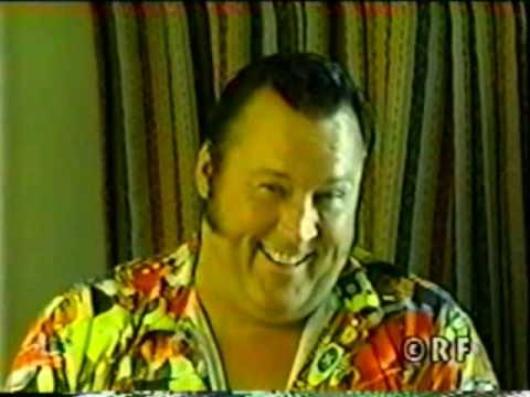 Honky Tonk Man shoots on religious wrestlers (Hilarious)