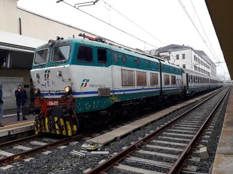 It 58 circolazione dei treni della stazione di torino - Orari treni milano torino porta nuova ...