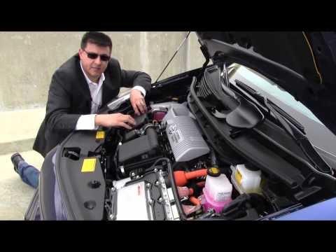 Quick Clips: 2012 Toyota Prius v