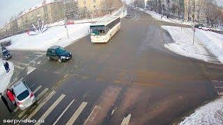 ДТП в Серпухове. Ой, всё!... 09 января 2017г.(ДТП в Серпухове. Ой, всё!... 09 января 2017г. IP-видеонаблюдение