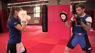 Ставим двойку (двоечку) в боксе — Урок 4, работа на лапах от Андрея Басынина
