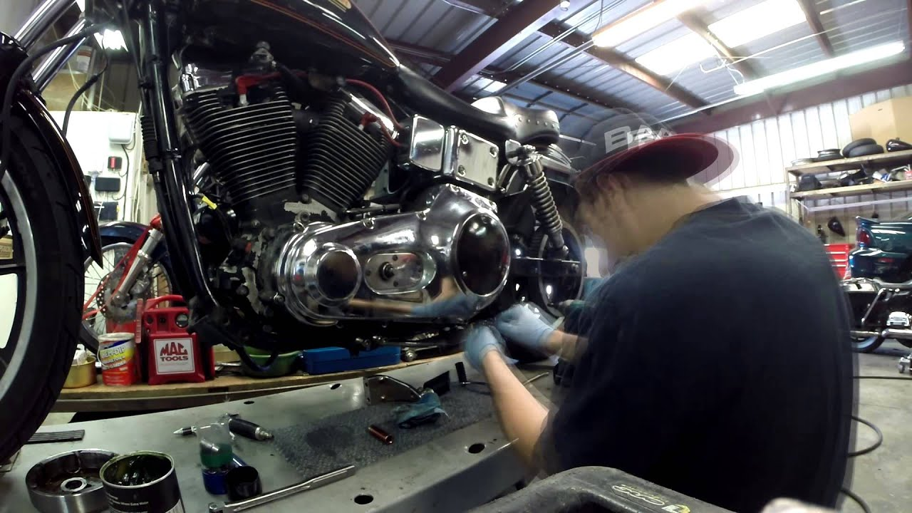 Dyna Super Glide >> Harley Dyna stator replacement time-lapse - YouTube