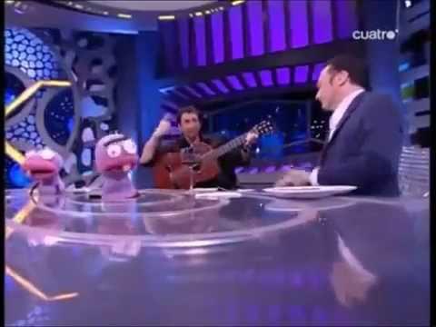 """Rob Schneider cantando """"Sarandonga"""""""