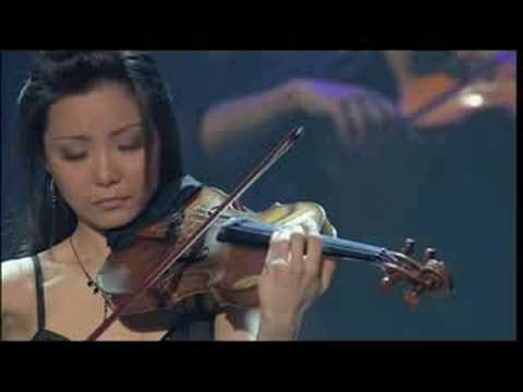 Yi-Jia Susanne Hou plays Sarasate's Zigeunerweisen with Bowfire Live