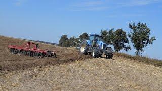 Prace pożniwne 2015 Na niebiesko. Gospodarstwo rolne Kamienica