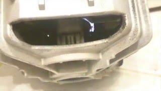 Искры из двигателя стиральной машины(http://washrepair.ru - ремонт стиральных машин в Москве Щетки двигателя стерлись почти полностью и в образовавшемся..., 2015-12-23T10:41:53.000Z)