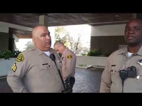 CLOWN IN A SHERIFFS COSTUME DOESN'T KNOW ABOUT PUBLIC PHOTOGRAPHY | 1ST AMENDMENT AUDIT