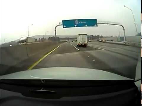 ЖЕСТЬ! Летающий грузовик в лоб из ниоткуда!