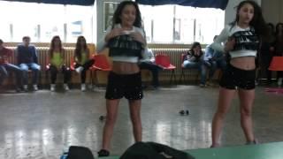 bambine che ballano classico e hip hop