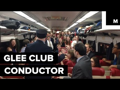 Yale Glee Club Surprises Train Passengers With Spectacular Holiday Performance